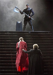 A scene from Donizettis Maria Stuarda / © _Photo by Ken Howard, Met Opera