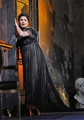 Anna Netrebko in the title role of Puccinis Tosca / © Photo by Ken Howard, Met Opera