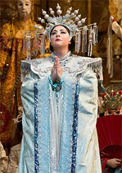 Christine Goerke in the title role of Puccinis Turandot / © Photo Marty Sohl, Metropolitan Opera